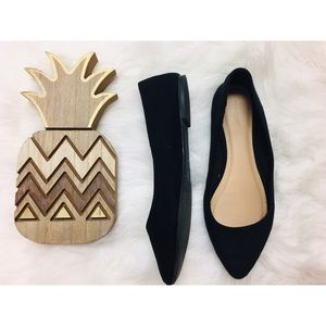 Old Navy black pointed tip flats